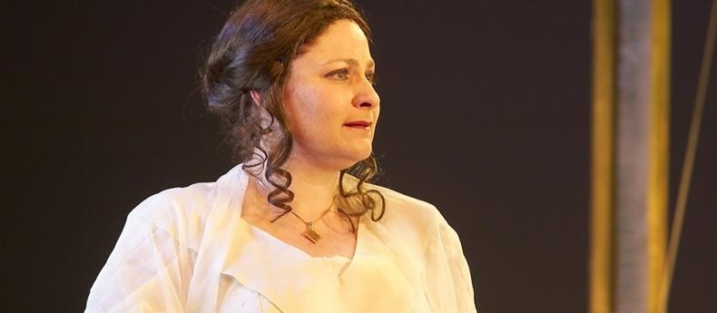 Sally Silver In Cosi 2003
