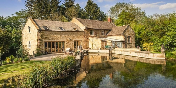 Snugborough  Mill Cotswolds Bed And Breakfast 02